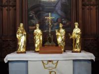 carved apostles
